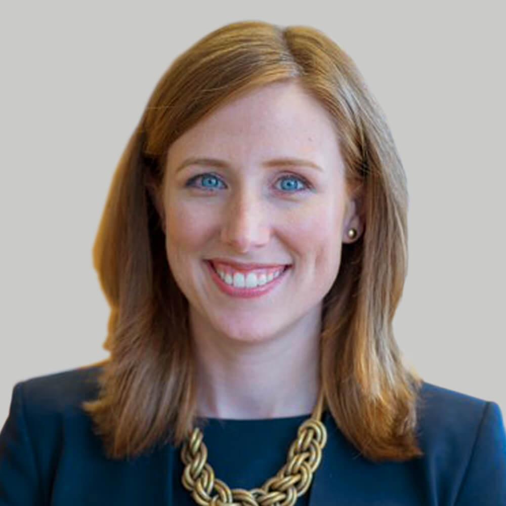 Lauren Macklis Headshot